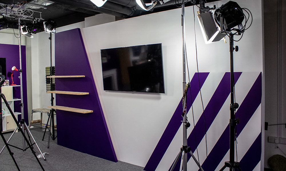 commercial painting and decorating service for new studio with vivid painted walls in Vauxhall, London
