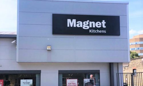 Painting the Exterior of Magnet Commercial Store (02)