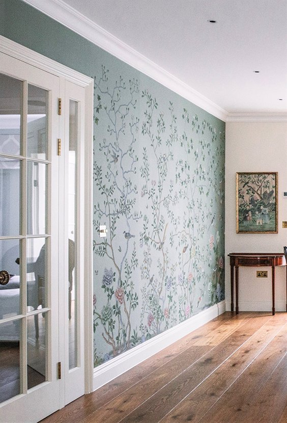 residential wallpaper hanging service in London
