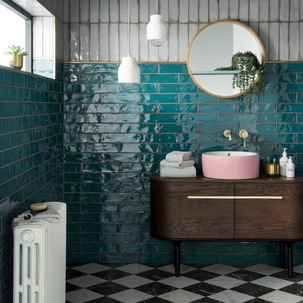 How to enhance your bathroom through painting and decorating