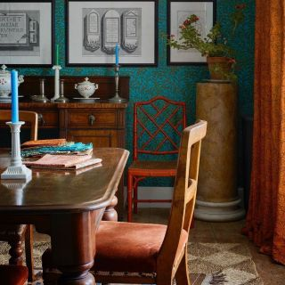 How many colours should your wallpaper contribute to the interior?  Many love to bring colour through wallcoverings and paper design. Today we explore the collection of @benpentreath and @wmorrisandco to demonstrate the process of exploration and finding wait to create schemes that fit you and your character.  Find a wallpaper design that can fuse your interior palette. Or, use it to add accents of colour through a feature wall, so it is not overbearing.  Are you someone who loves colourful wallpaper?  . . . . . . . . . . #thegoodpainter #londoninteriordesigner #londonhome #londonproperty #londondesigner #londonpainting #londonapartment #londonhouses #londoninteriordesign #londonpainter #londonpainting #printandpattern #patternlove #patternator #patternbank #patternoftheday #patternlicious #patternseverywhere #surfacepatterndesign #patternobserver #walltowalldecor #decorhardcore #moreismoredecor #crashbangcolour #colorismyjam #eclecticdecor #wallpaperdecor #wallpaperlove #colorfulwallpaper